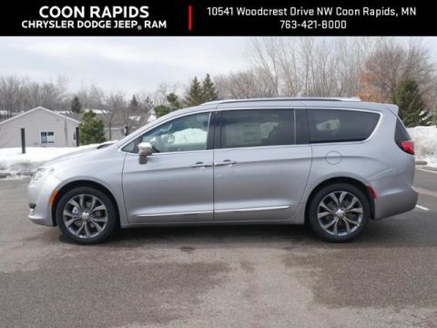 New 2019 Chrysler Pacifica Limited With Navigation